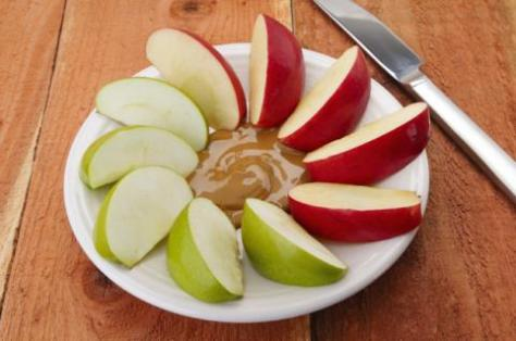 apple-slices-peanut-butter